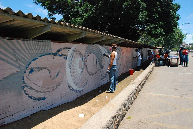 Maxx Moses, a gifted graffiti muralist from New York, uses urban art to raise awareness about HIV prevention and testing in Zimbabwe.