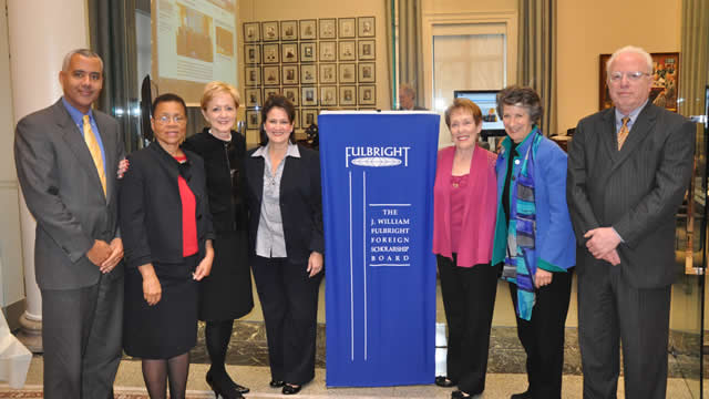 From left to right: FSB Member Mark Alexander, FSB Vice Chair Shelby Lewis, Assistant Secretary of State for Educational and Cultural Affairs Ann Stock, FSB Chair Anita McBride, FSB Members Betty Castor, Susan Ness and Ambassador Gabriel Guerra-Mondragón.