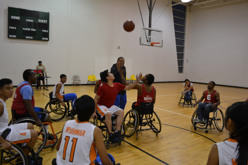 The Burmese group participates in wheelchair basketball for the first time.