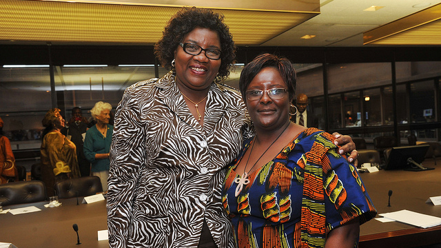 Ida Odinga, wife of Kenyan Prime Minister Raila Odinga (L) and Zohra Ahmed Baraka, Founder/CEO, Mohazo Eximpo Limited (R) at RAND African First Ladies Initiative, September 23, 2011, in New York.