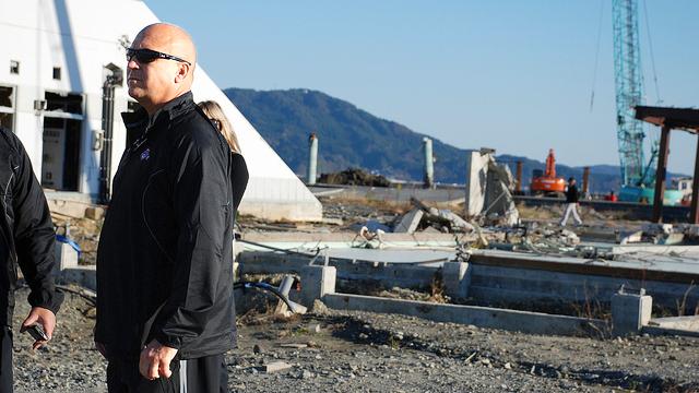 Cal Ripken visits Tohoku, a tsunami-struck area in Japan.