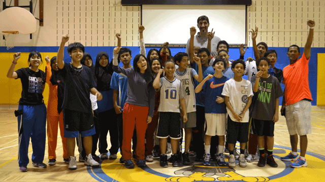 The Indonesian visitors met NBA star Gheorghe Mureșan and scrimmaged with his youth boy's team.