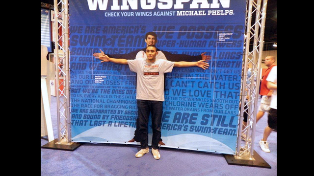 One of the Tunisian participants compares his wingspan to that of Michael Phelps.