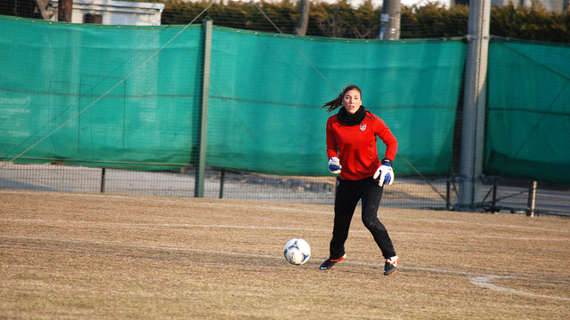 U.S. goalkeeper Hope Solo shows her skills.