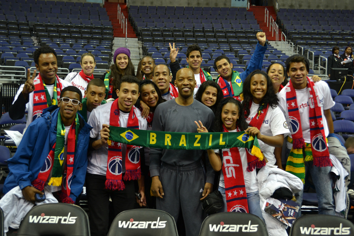 The Brazilian Sports Visitors have an opportunity to meet NBA players at the Washington, D.C. Wizards game.