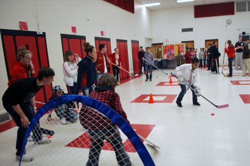The Russian visitors teach an indoor clinic for Abingdon Elementary School students in Arlington, VA.