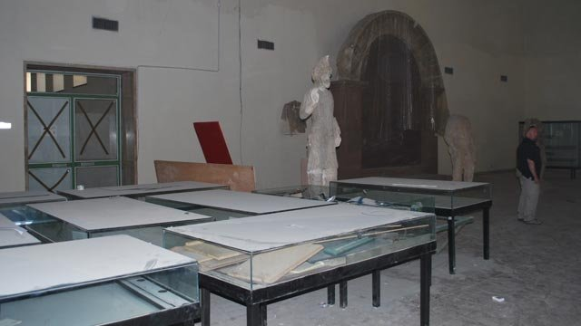 Ground floor of the Hatra Gallery at the Iraq Museum before renovation, October 2008