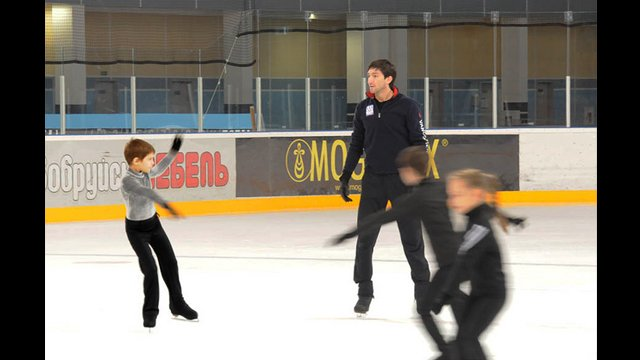 Evan Lysacek leads one of many ice skating sessions for the young people of Belarus.