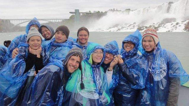 EMPOWER Fellows from the Philippines visit Niagara Falls with host organization Discovering Deaf Worlds.