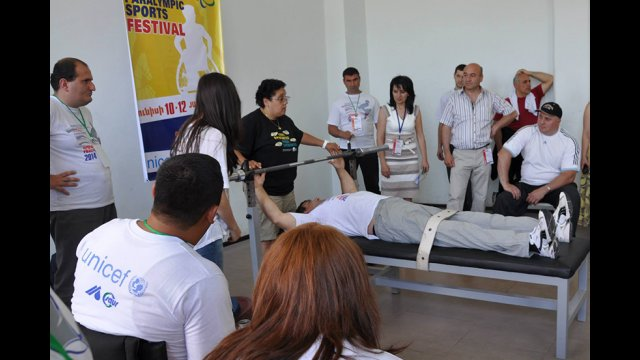 An American participant leads a demonstration for coaches and athletes in Armenia.