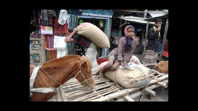 Market scene in Kurigram, North Bengal