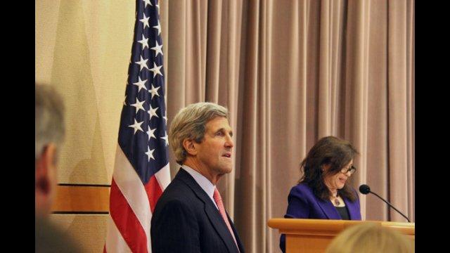 U.S. Secretary of State John Kerry and Under Secretary for Public Diplomacy and Public Affairs Tara Sonenshine at the Washington, D.C. Fulbright Enrichment Seminar in March 2013.